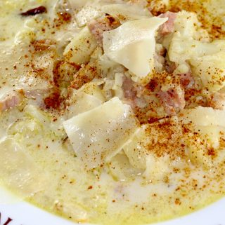 Creamy Cauliflower, Potato, and Cheesy Ham Chowder