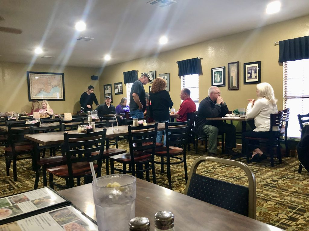 Guests dining at Roseanna's Italian Restaurant